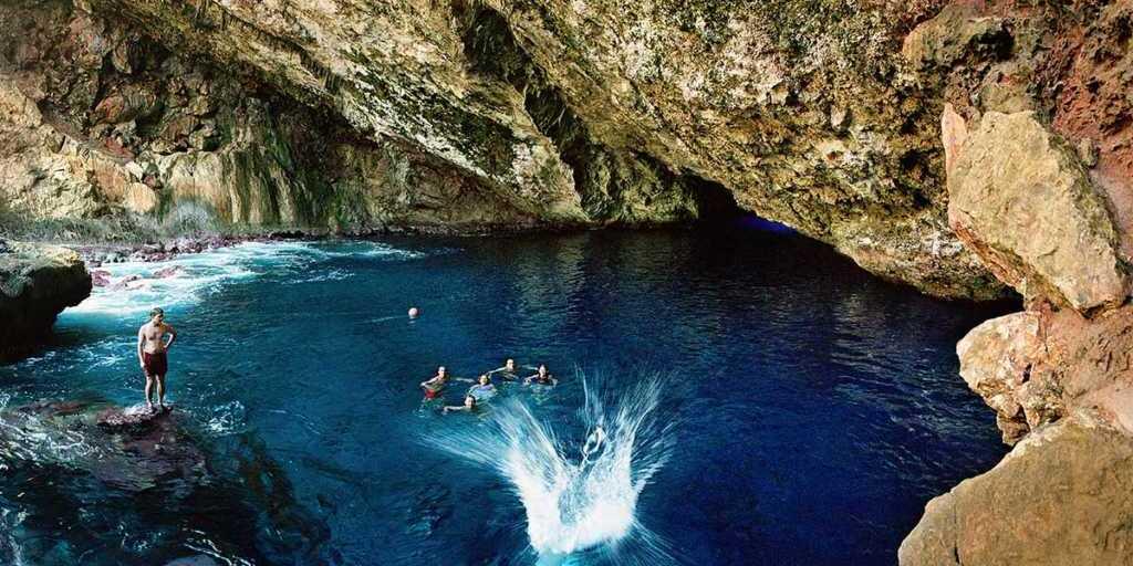 Grotto-with-splash